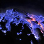 Kawah Ijen, Si Api Biru yang Mempesona