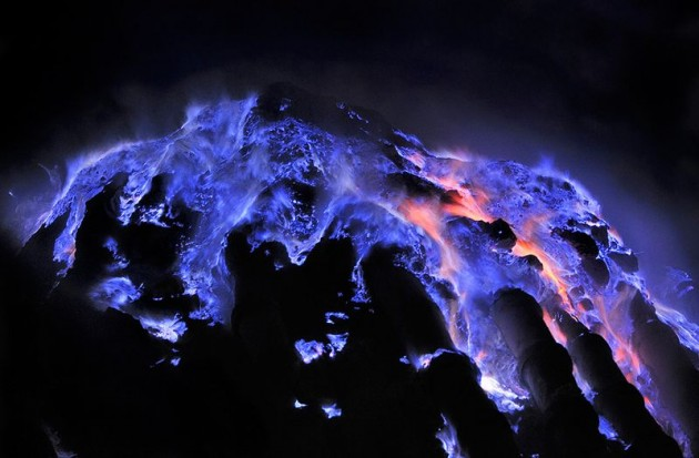 api-biru-Kawah-Ijen