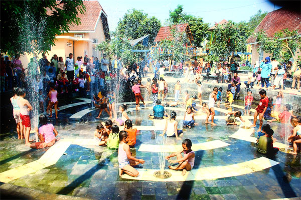 Arena Kolam Taman Pintar - Sumber: - yogyakarta.panduanwisata.id