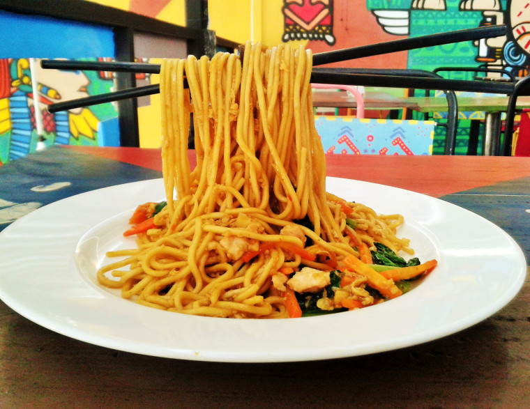 Flying Noodle - Sumber: windaerlina.wordpress.com