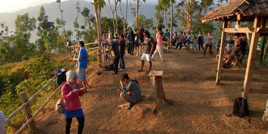Punthuk-setumbu-yogyakarta-wisata-gazebo