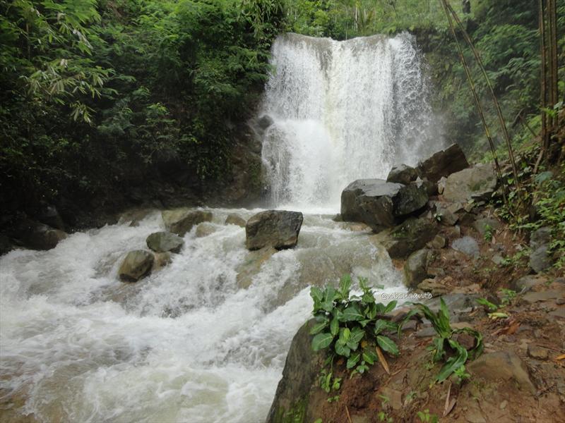 Air Terjun Grojogan Sewu - Sumber: dolanotomotif.com