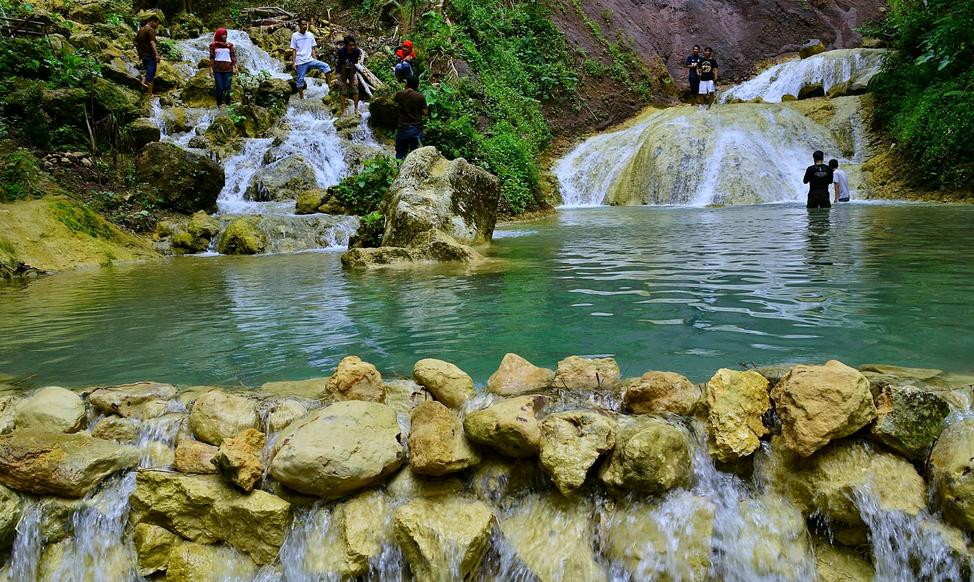 Air Terjun Kembang Soka - Sumber: rentalmotordijogja.com