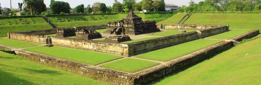 Candi Sambisari, Napak Tilas Peradaban Hindu Kuno - Sumber: proyekwisata.blogspot.com